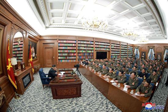 زعيم-كوريا-الشمالية-يعقد-اجتماعا-للحزب-الحاكم