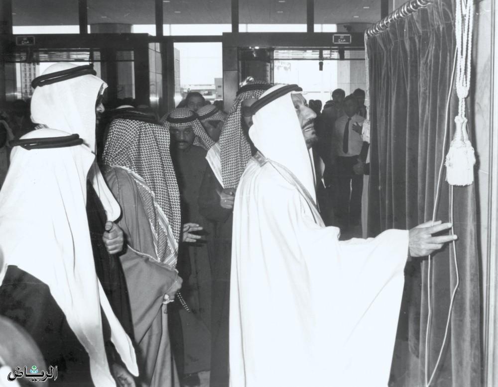الأمير متعب بن عبدالعزيز يفتتح أحد المشروعات