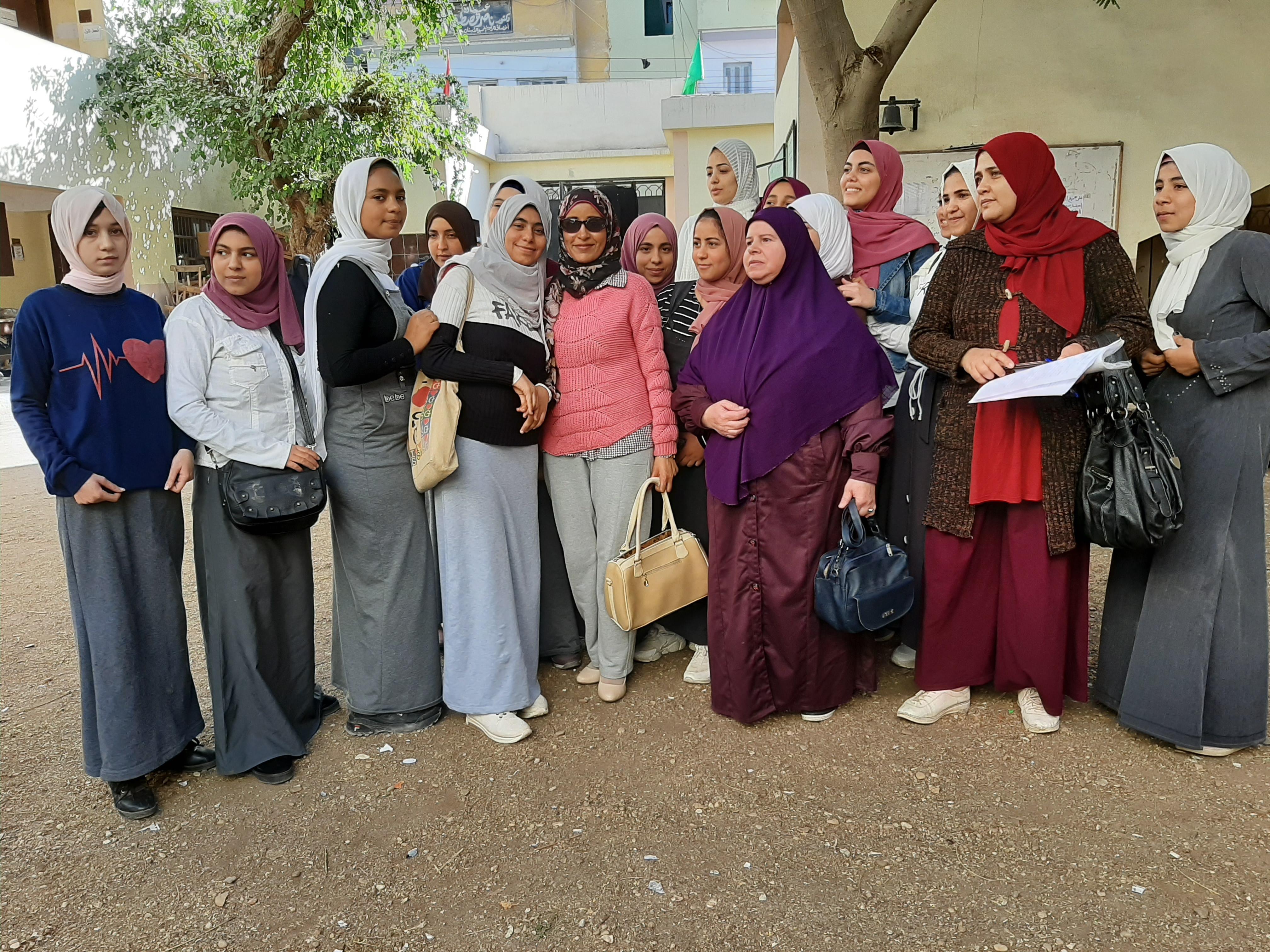 ندوات القومى للمرأة بالمدارس للتوعية بمخاطر الزواج المبكر (2)