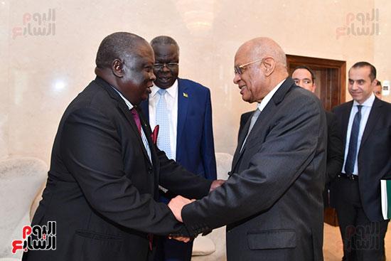 عبد العال يلتقى رئيس المجلس التشريعى الانتقالى بالإنابة بجنوب السودان (4)