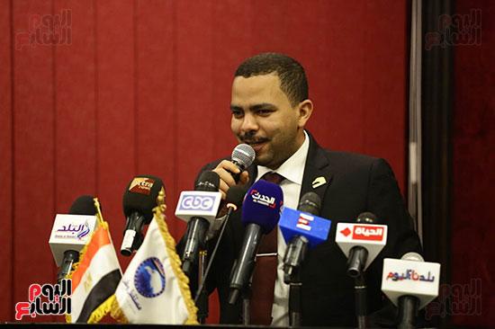 الجلسة الثانية للحوار الوطنى للأحزاب المصرية (8)