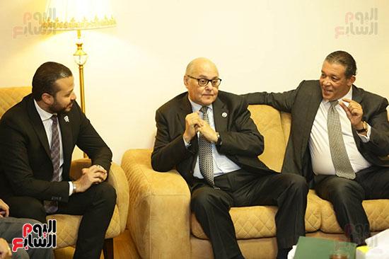 الجلسة الثانية للحوار الوطنى للأحزاب المصرية (15)