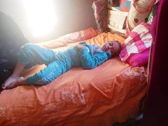 والدتها-باعت-أجهزة-المنزل-لعلاجها
