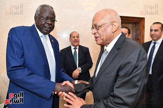 عبد العال يلتقى رئيس المجلس التشريعى الانتقالى بالإنابة بجنوب السودان (1)