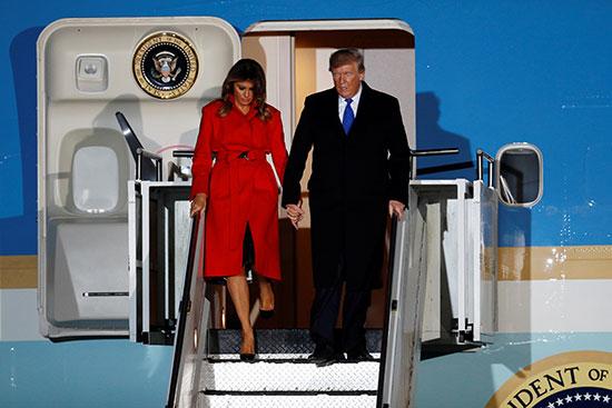 ترامب وميلانيا فور وصولهما لندن