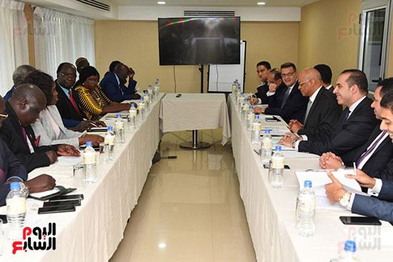 عبد العال يلتقى رئيس المجلس التشريعى الانتقالى بالإنابة بجنوب السودان (6)