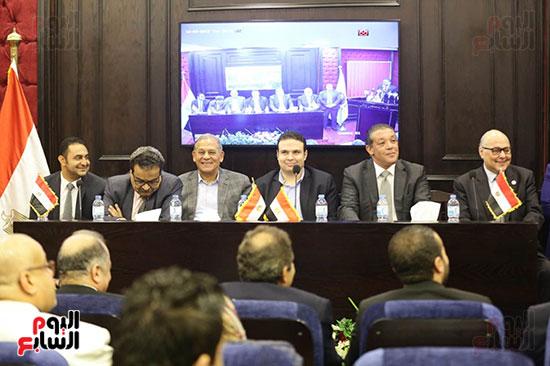 الجلسة الثانية للحوار الوطنى للأحزاب المصرية (6)