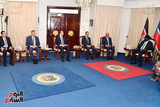 استقبال سلفا كير رئيس جمهورية جنوب السودان للدكتور على عبد العال (9)