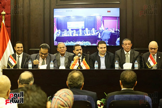 الجلسة الثانية للحوار الوطنى للأحزاب المصرية (16)