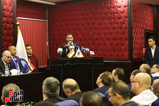 الجلسة الثانية للحوار الوطنى للأحزاب المصرية (13)