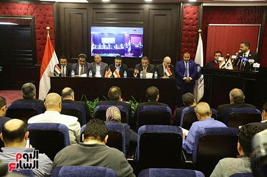 الجلسة الثانية للحوار الوطنى للأحزاب المصرية (5)
