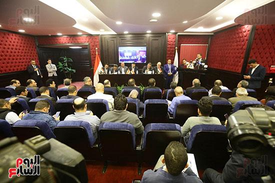 الجلسة الثانية للحوار الوطنى للأحزاب المصرية (4)