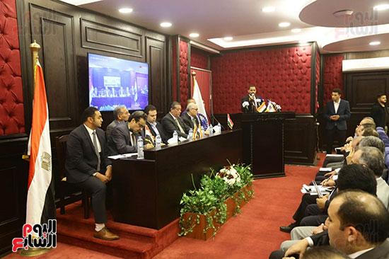 الجلسة الثانية للحوار الوطنى للأحزاب المصرية (2)