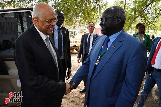 استقبال سلفا كير رئيس جمهورية جنوب السودان للدكتور على عبد العال (1)