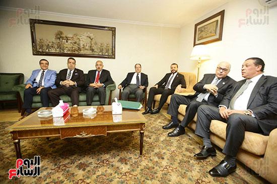 الجلسة الثانية للحوار الوطنى للأحزاب المصرية (37)