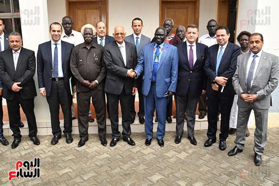 استقبال سلفا كير رئيس جمهورية جنوب السودان للدكتور على عبد العال (7)