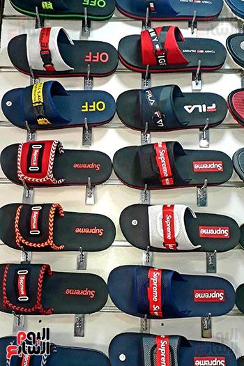 قصة نجاح شاب من صانع أحذية رياضية لصاحب مصنع بالمنوفية (12)