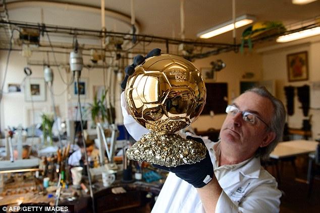 الكرة الذهبية  (3)