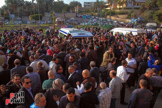 تشييع جثمان شعبان عبد الرحيم (9)