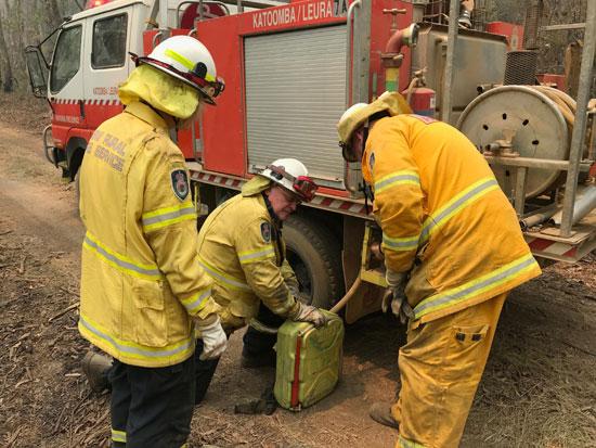 جهود رجال مكافحة الاطفاء