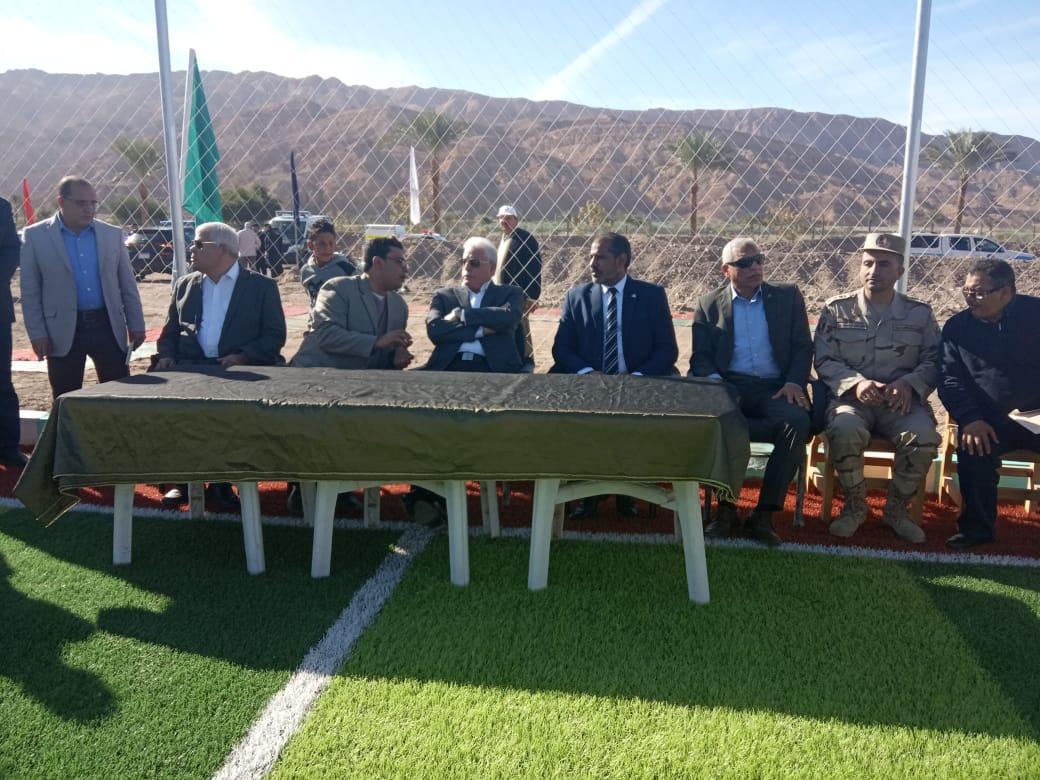محافظ جنوب سيناء يفتتح ملعبا خماسيا بوادى مكتب والكليو 9  (8)