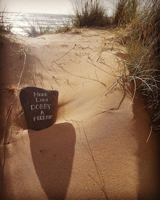 شاطئ ويلز بعد اختفاء التمثال