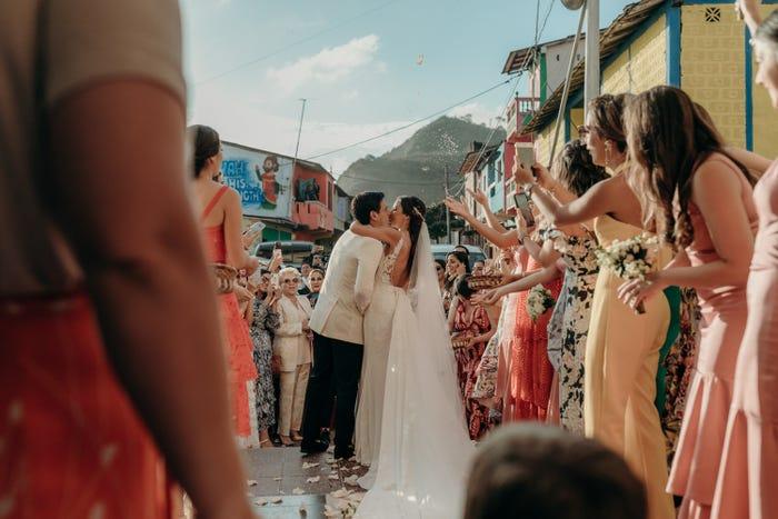 صورة أثناء حفل الزفاف