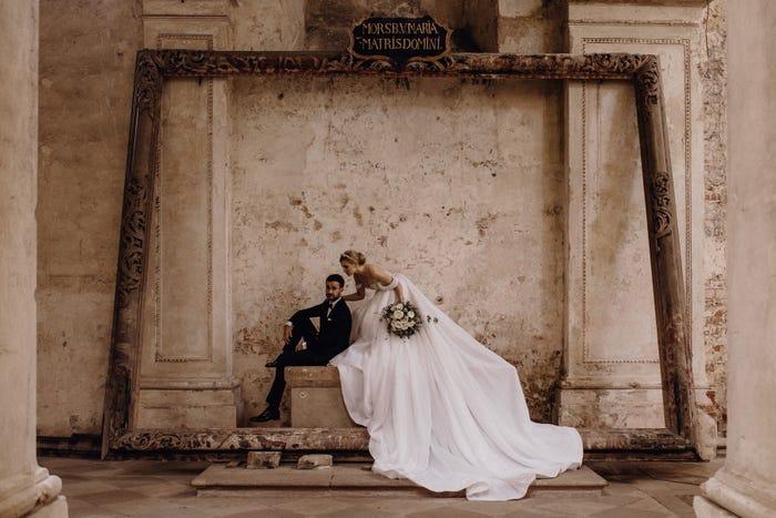 صورة لعروسين في في دير لوبيك
