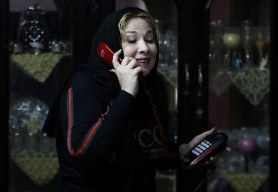 نيفين تتلقى اتصال من ابنها