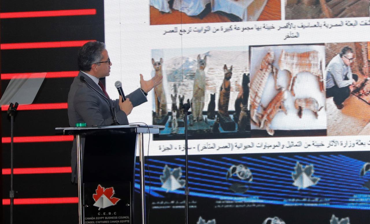 وزير الآثار خلال المحاضرة (1)