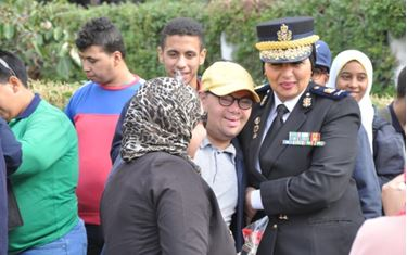 اللواء حنان يوسف مع الطلاب