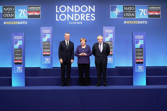 رئيس-وزراء-بريطانيا-وأمين-عام-الناتو-فى-استقبال-ميركل