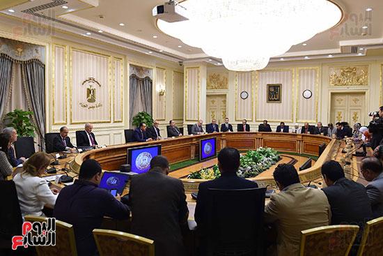 مؤتمر صحفى لرئيس الوزراء ومحافظ البنك المركزى (3)
