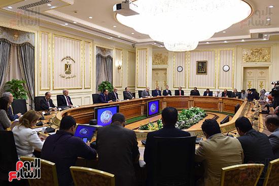 مؤتمر صحفى لرئيس الوزراء ومحافظ البنك المركزى (2)
