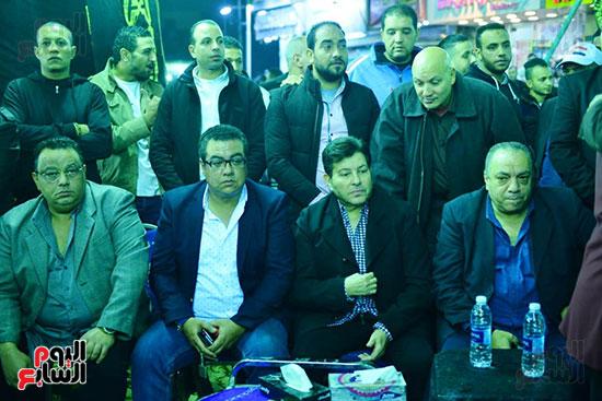 نقيب الموسيقيين فى عزاء شعبان عبد الرحيم