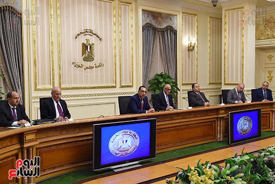 مؤتمر صحفى لرئيس الوزراء ومحافظ البنك المركزى (5)