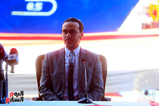 وزير النقل يستلم الجرارات الحديثة (20)