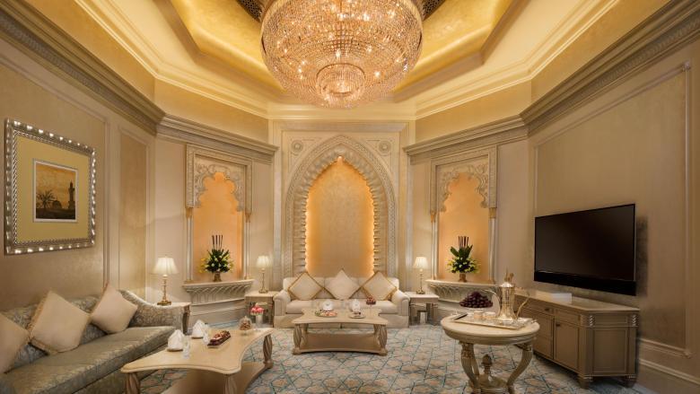 الذهب يزين غرف فندق قصر الإمارات فى أبوظبى