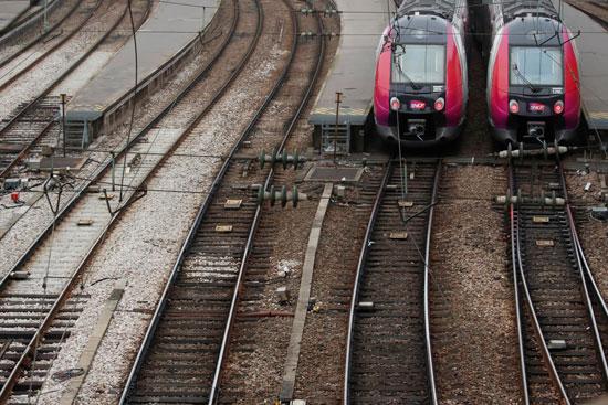 توقف-القطارات