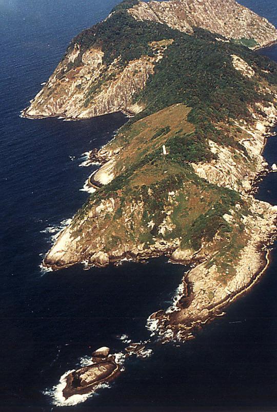 جزيرة الأفاعى بالبرازيل