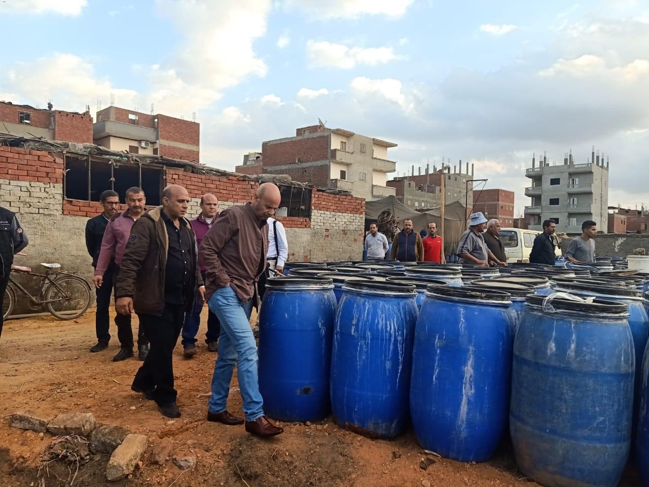 الدكتور هشام شوقى مسعود وكيل وزارة الصحة بالشرقية خلال الحملة (4)