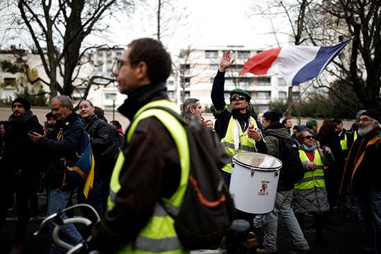جولة جديدة من الاحتجاجات لأصحاب السترات الصفراء فى فرنسا