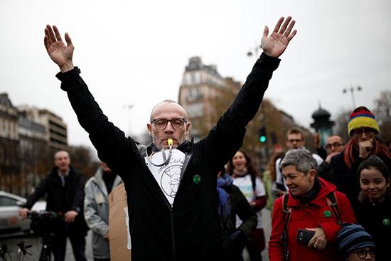 مسيرة احتجاجية فى باريس