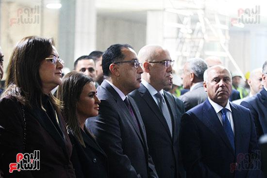 رئيس الوزراء يشهد دخول ماكينة الحفر العميق لمحطة ماسبيرو (1)