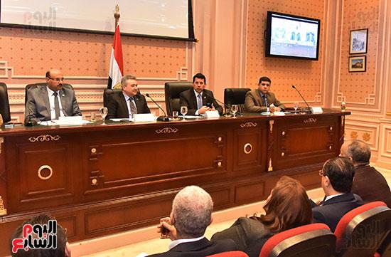 لجنة السياحة والطيران (1)