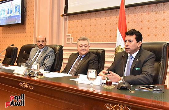 لجنة السياحة والطيران (3)