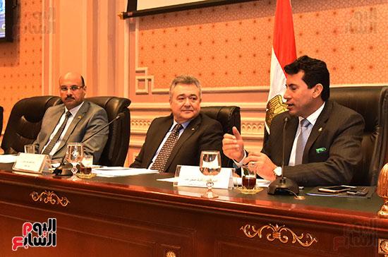 لجنة السياحة والطيران (4)