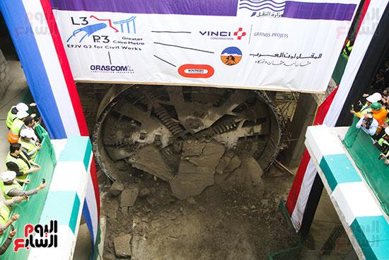 رئيس الوزراء يشهد دخول ماكينة الحفر العميق لمحطة ماسبيرو (9)