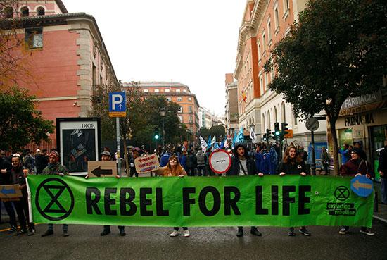 المتظاهرون فى مدريد
