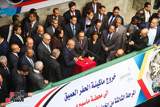 رئيس الوزراء يشهد دخول ماكينة الحفر العميق لمحطة ماسبيرو (10)
